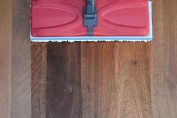 Flat Microfiber Mops Are Safest For Wood Floors When They Dry