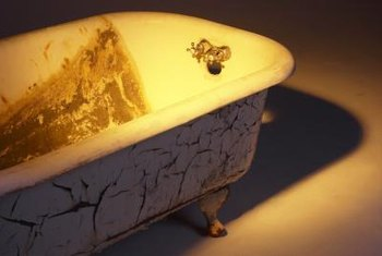 Porcelain bathtubs can be restored using enamel paint.