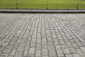 Cobblestones give an old-world style when used as an edging.