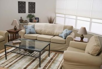 Beau How To Set Up A Small Living Room. Furnish A Small Living Room With  Scaled Down Furnishings And Use Light Colors And Upholstery