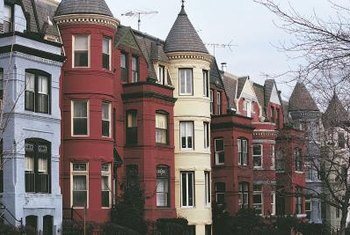 1800s row homes come in all shapes and sizes, as do options for decorating them.