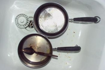 Metal pots can leave gray scratches on porcelain sink surfaces.