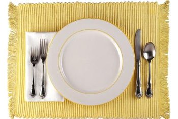 Place silverware in the order itu0027s used from outside in. & How to Arrange Silverware on a Table | Home Guides | SF Gate