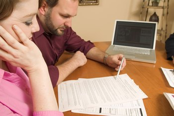 Property settlement agreements help ex-spouses smoothly co-own their marital homes together.