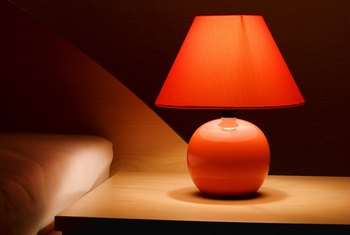 How to Change the Color of Lamp Shades