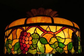 How to Identify a Real Tiffany Lamp