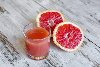 What Are the Health Benefits of Fresh-Squeezed Grapefruit?
