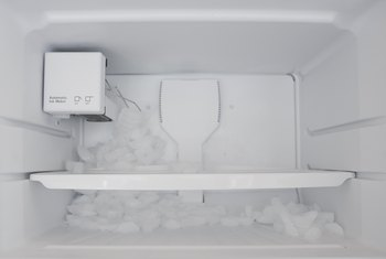 How to Sanitize the Ice Maker in Refrigerators