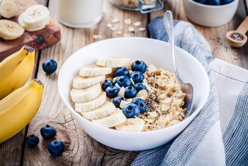 Do Oatmeal & Bananas Reduce Cholesterol?