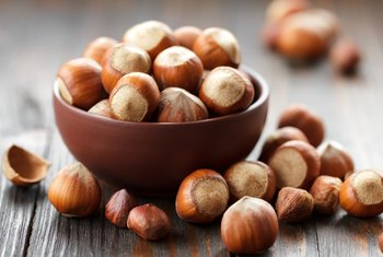 Can You Eat Raw Hazelnuts?