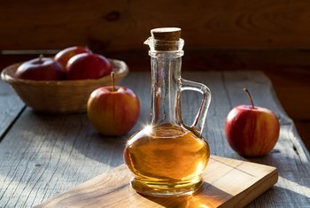 How to Clean Wood Floors With Apple Cider Vinegar