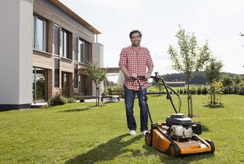 How Much Oil Is Needed to Change Oil in a Small Lawnmower?