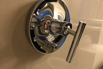 How to Adjust the Mixing Valve for a Single Handle Faucet in the Shower