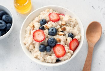 Can Eating Oatmeal Cause a Weight Increase?