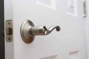 How To Remove The Faceplate From A Lever Door Knob