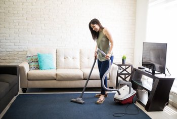 How to Keep a Vacuum Cleaner Smelling Fresh