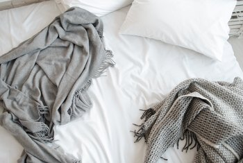 How to Match Sizes of Duvet Covers and Comforters