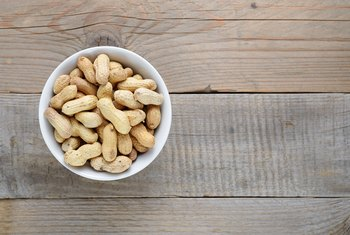 How Much Soluble Fiber Is in Peanuts?