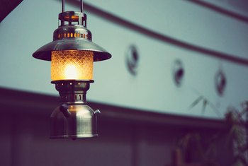 What Kind of Oil Do You Put in Lamps & Lanterns?
