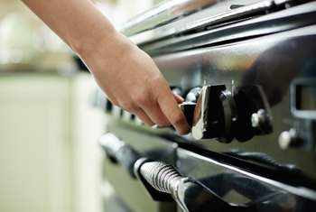 How to Manually Light a Gas Oven