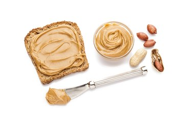 What Are the Benefits of Peanut Butter for Bodybuilders?