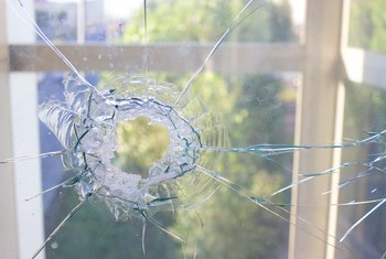 How to Temporarily Fix a Broken Window Pane
