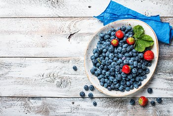 Are Strawberries & Blueberries Good for a Baby?
