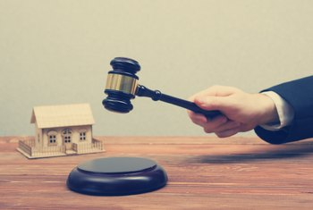 How Do Home Foreclosure Auctions Work?