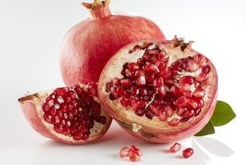 What Are the Benefits of Green Tea and Pomegranate?