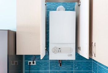 How to Stop Noise Coming From a Home Hot Water Tank