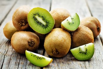 What Are the Health Benefits of Kiwi for the Eyes?