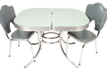 Restore a vintage dinette table using some items you may already have in your retro kitchen.