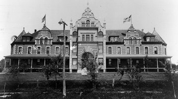 Old Main (now the Humphrey Center) circa 1900.
