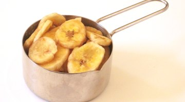 A 1/2 cup serving of banana chips
