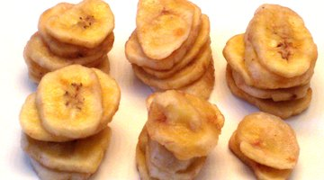 27 banana chips in a 1/2 cup serving