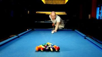 How to Identify a Pool Table & Its Value