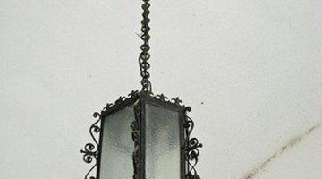 Many pendant light fixtures are of medium weight.