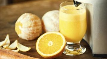 All juicers extract liquid from pulp either by using centrifugal force, mastication or cold pressing.