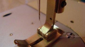 Máquinas de costura são usadas por alfaiates e costureiras
