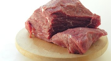 Signs and Symptoms of Food Poisoning From Bad Meat