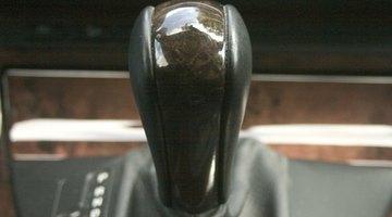Cómo verificar el líquido de transmisión en un Toyota  Camry