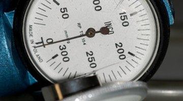 ¿Cuál es la fórmula para calcular la presión arterial?