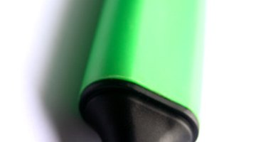 Remove parts of a split tip to correct a divided ink line.