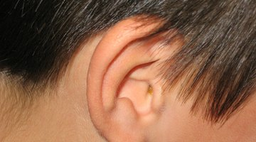 How to Drain Water Deep in the Ear