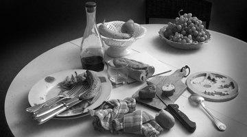 ¿Qué causa escalofríos después de comer?