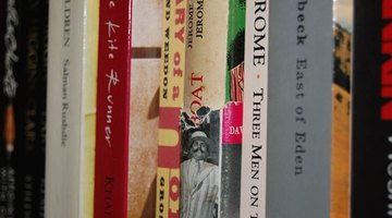 Books about Japanese antique figurines are a visual resource.