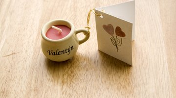 Adding a pesonal touch to a card or gift is easy online.
