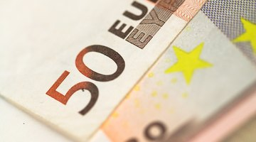 Use a foreign draft or euro bank account to send euros by cheque.