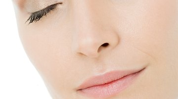 Cómo eliminar los bultos de acné