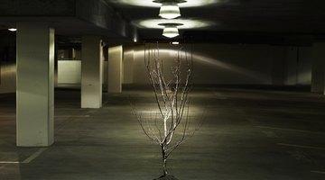 Cómo verificar el positivo y el negativo de los cables al momento de colocar una lámpara de techo